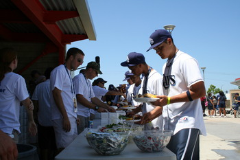 2008 RBI World Series - Day 2 - Serving Lunch