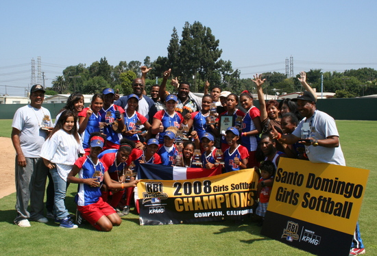 RBI World Series 2008 - Softball Championship - Santo Domingo group picture with banner
