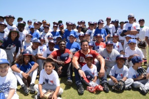 David Peralta and Didi Gregorius Visit the Baseball Field